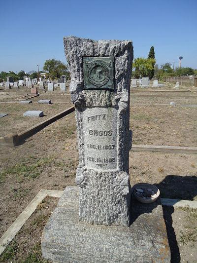 Fritz Groos' Tombstone