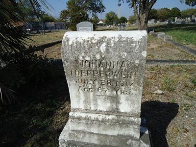 Johanna Bergmann Toepperwein's Tombstone
