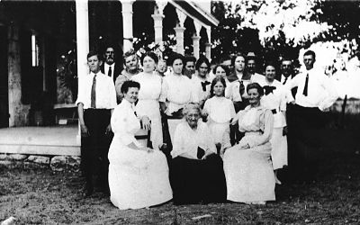Adam Descendants at Julius Adam Home in 1912
